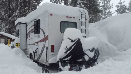 skiing rv - rv parked up